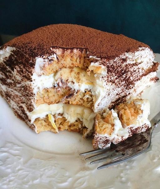 Мокровный торт на сковороде с творожно-банановым кремом