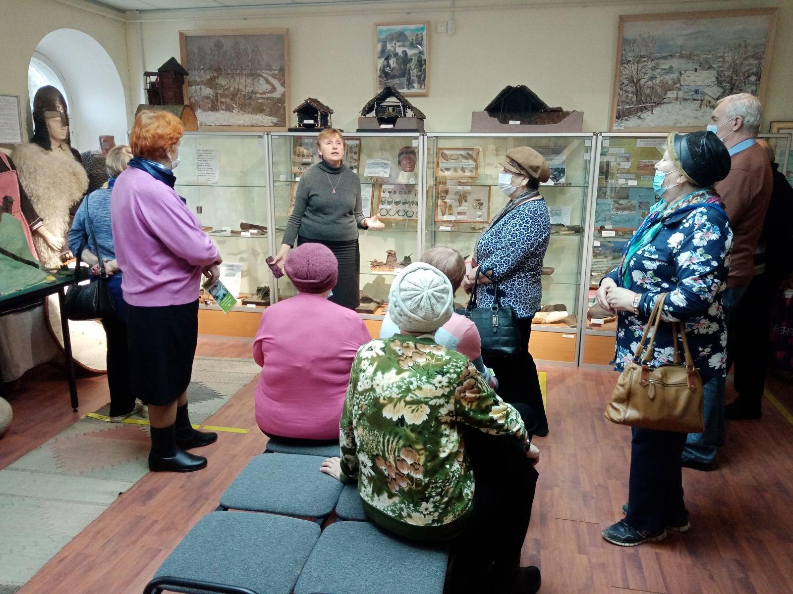 Пожилые граждане Волоколамского городского округа посетили с экскурсией город Рузу.